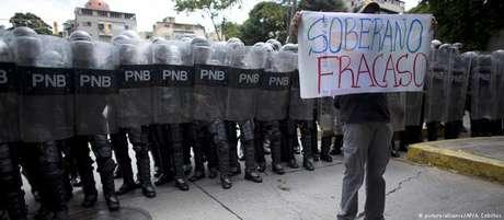 """Protesto estudantil em Caracas dá veredicto sobre reformas: """"Soberano fracasso"""""""