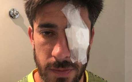 Pablo Pérez, capitão do Boca, ficou ferido após ataques ao ônibus da equipe nos arredores do Monumental