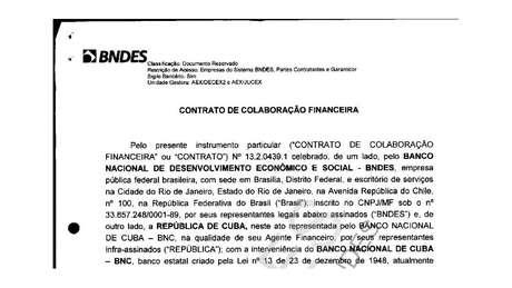 Reprodução da primeira página do contrato entre o BNDES e o governo de Cuba para construção do porto de Mariel, documento disponível no site do banco