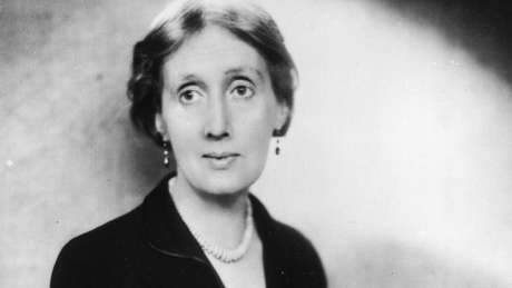 Virginia Woolf viveu em contexto familiar e histórico conturbados