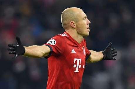 Robben fez dois golaços sobre o Benfica