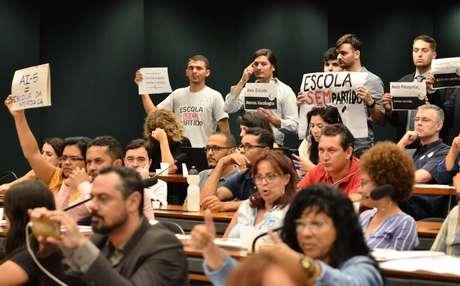 A Comissão Especial da Câmara que analisa o projeto de lei sobre a Escola sem Partido se reúne para discussão da matéria (13/11/2018)