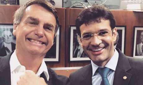Presidente Jair Bolsonaro e o ministro do Turismo Marcelo Álvaro Antônio