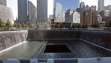 O memorial dos atentados de 11 de setembro ao World Trade Center, em Nova York, está na lista de programas 'imperdíveis' da cidade em sites de turismo
