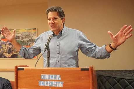 O ex-prefeito de São Paulo Fernando Haddad discursa na Universidade de Columbia, em Nova York