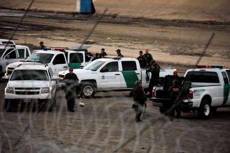 Agentes de segurança na fronteira dos EUA com o México em Tijuana  26/11/2018    REUTERS/Alkis Konstantinidis