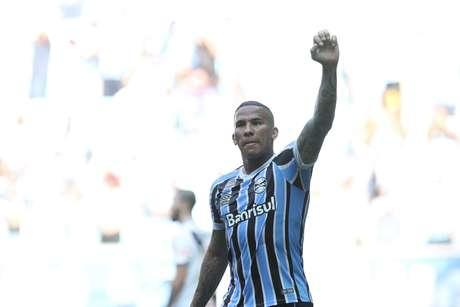 Jael renovou contrato com o Grêmio até 2020