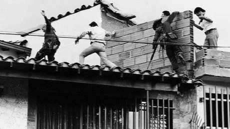 O momento da morte de Escobar, em dezembro de 1993