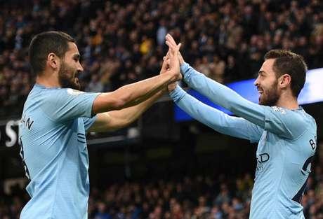 Gundogan, Bernardo Silva e Sterling marcaram os gols da vitória do City (Foto: OLI SCARFF/AFP)