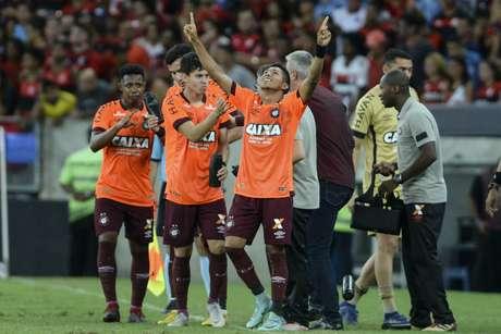 Rony comemora gol durante Flamengo x Atletico-PR