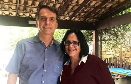 Bolsonaro e a pastora Damares Alves