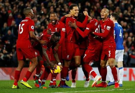 Jogadores do Liverpool comemoram