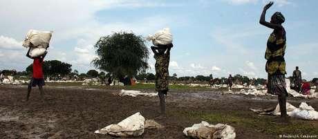 Violência já provocou fuga de um terço da população do país africano