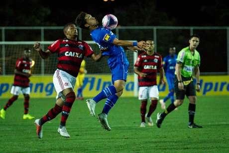 A Raposa tenta se recuperar da derrota para os cariocas nesta segunda-feira, diante do São Paulo- RS