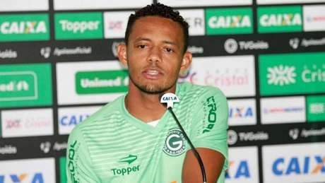 Ernandes, jogador do Goiás