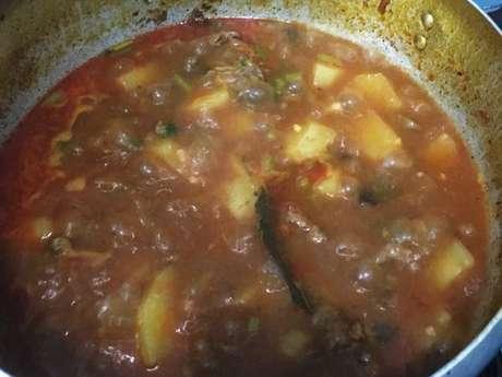 Ensopado de carne com batata