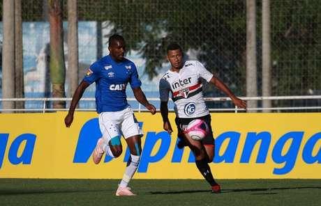 Cruzeiro e São Paulo se enfrentaram em Porto Alegre - FOTO: Everton Silveira/saopaulofc.net