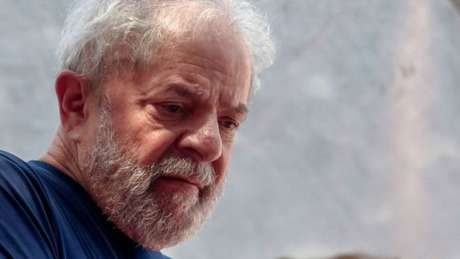 O habeas corpus que deve ser julgado hoje vem depois de apelações semelhantes da defesa de Lula serem rejeitadas tanto pelo Tribunal Regional Federal da 4ª Região (TRF-4), de Porto Alegre, quanto pelo Superior Tribunal de Justiça (STJ), em Brasília.