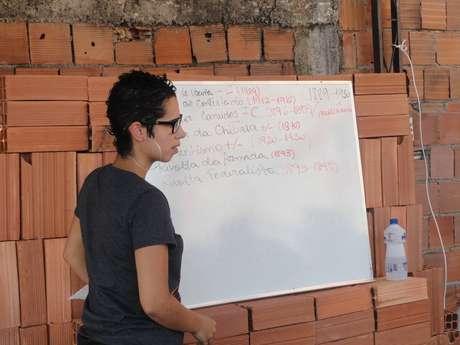 Projeto Unifavela ajuda estudantes da periferia a ingressar na faculdade