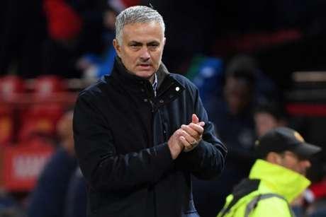 Mourinho projeta Manchester United entre os seis primeiros do Campeonato Inglês (Foto: Paul Ellis / AFP)