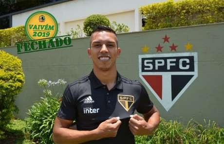 Igor Vinícius chega pra disputar posição com Bruno Peres, Tuta e Araruna na lateral-direita (Divulgação/São Paulo)