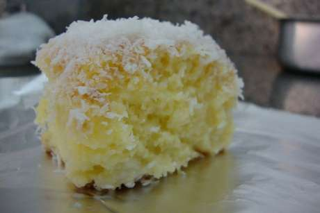 Bolo gelado simples de coco