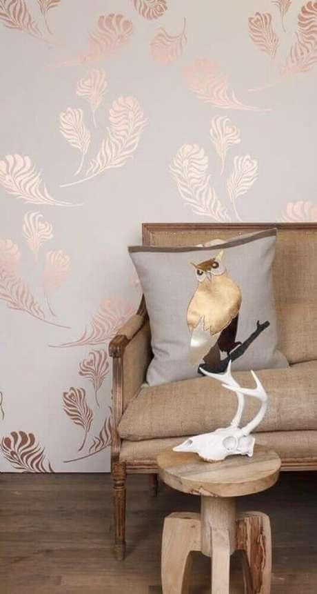 52. Decoração simples com papel de parede rose gold – Foto: Michele Varian