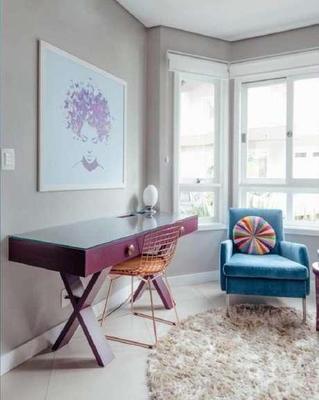 58. Decoração com cadeira aramada rose gold – Foto: Ambientta Arquitetura