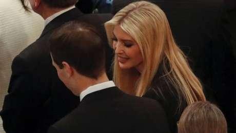A filha de Donald Trump, Ivanka, compareceu à cerimônia com o marido, Jared Kushner