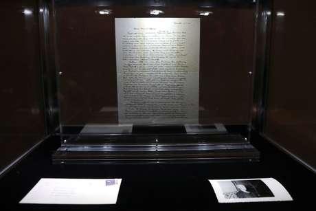 """A """"Carta de Deus"""", escrita por Albert Einstein em 1954"""