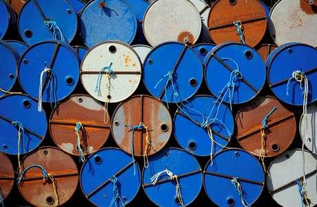 Barris de petróleo em Parentis-en-Born, na França 13/10/2017 REUTERS/Regis Duvignau