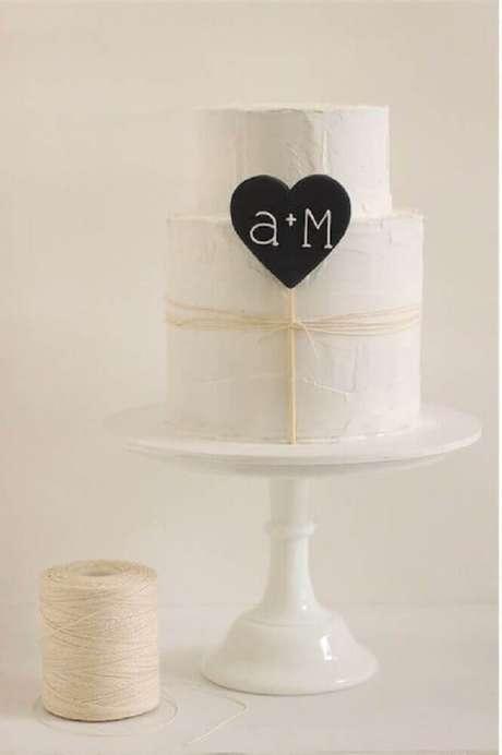 22. Modelo de bolo de casamento simples e moderno – Foto: Makea Hääblogi