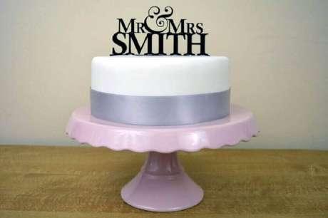 31. Modelo de bolo simples para casamento – Foto: The Holk