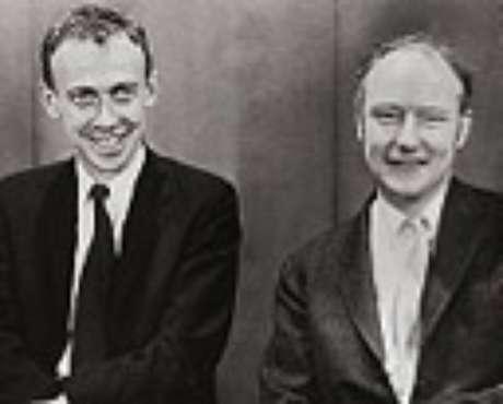 """Watson e Crick que descobriram a """"espiral da vida"""""""