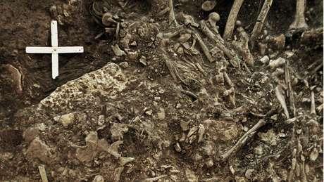 Restos mortais de uma mulher de 20 anos que foi morta pela primeira grande pandemia.