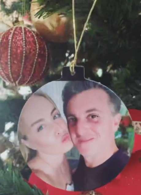 Decoração com foto do casal.
