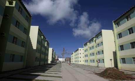 Vista geral de complexo de prédios do programa Minha Casa Minha Vida em Olinda 7/10/ 2010. REUTERS/Bruno Domingos