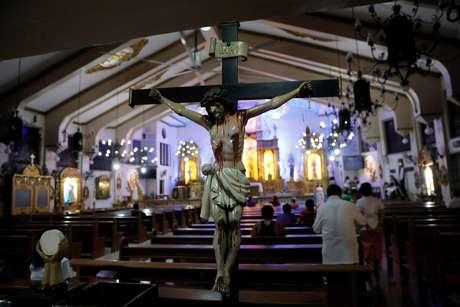 Interior de igreja católica em Manila 22/09/2017 REUTERS/Dondi Tawatao