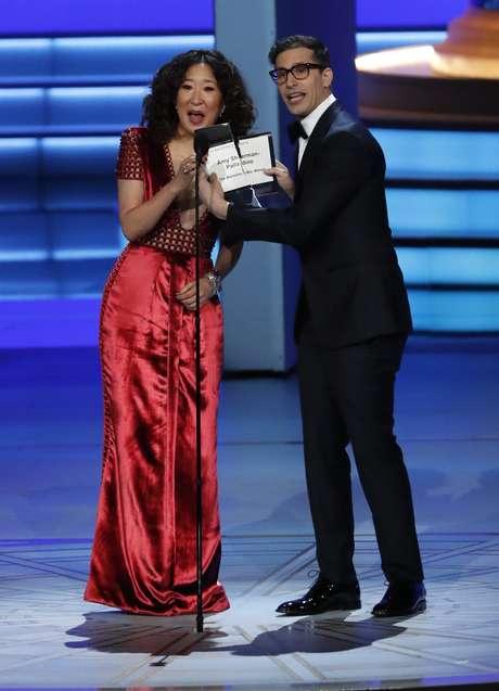 Os apresentadores do ano serão Sandra Oh e Andy Samberg.