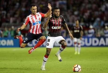 Atlético-PR e Junior empatam na final da Sul-Americana