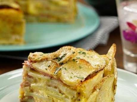 Bolo de batata, queijo e presunto