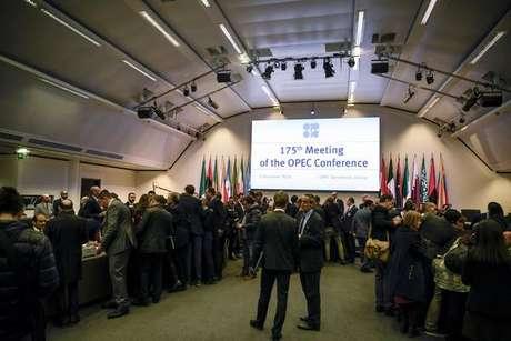 Opep se reúne em Viena.