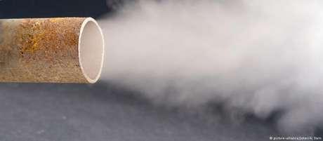 Um dos fatores para o aumento das emissões de CO2 é a maior quantidade de carros e caminhões circulando