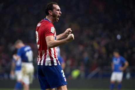 O contrato de Godín com o Atleti se encerra no meio de 2019 (Foto: Curto de la Torre / AFP)