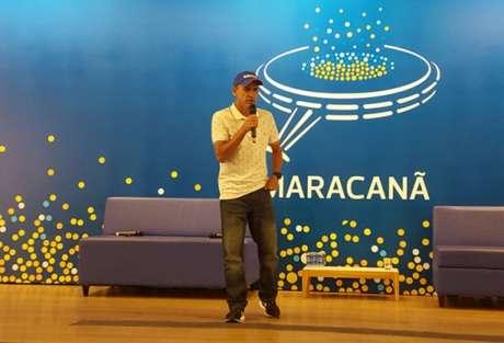 Vanderlei Cordeiro de Lima deu palestra nesta quinta-feira, em evento no Maracanã