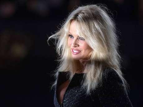Atriz Pamela Anderson tem lutação que luta pelos direitos humanos