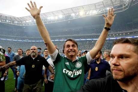 Bolsonaro durante festa do título do Palmeiras no Brasileirão