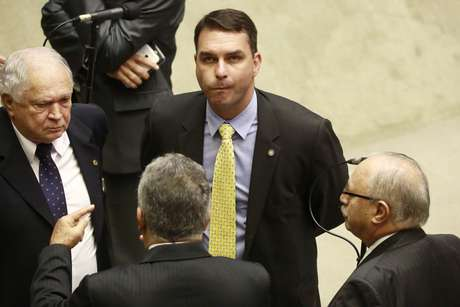 Deputado Flávio Bolsonaro durante sessão especial conjunta do Senado Federal e Câmara dos Deputados