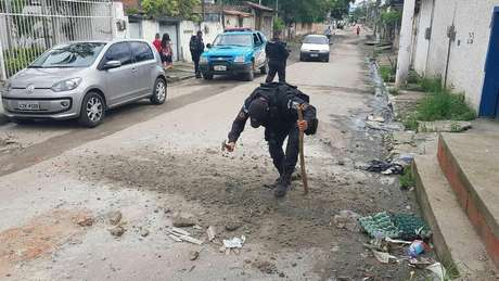 Segundo plataforma 'Tem Barricada Aí?', ao menos 340 ruas do Rio de Janeiro são bloqueadas por criminosos