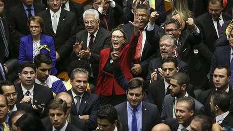 O Brasil tem o terceiro maior Congresso Nacional da América Latina, mas na comparação com a Europa o número de deputados e senadores não assusta